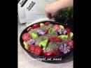 Кабачок в мясной шубке с овощами