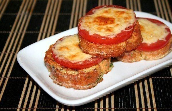 Хрустящие гренки с помидорами и сыром!