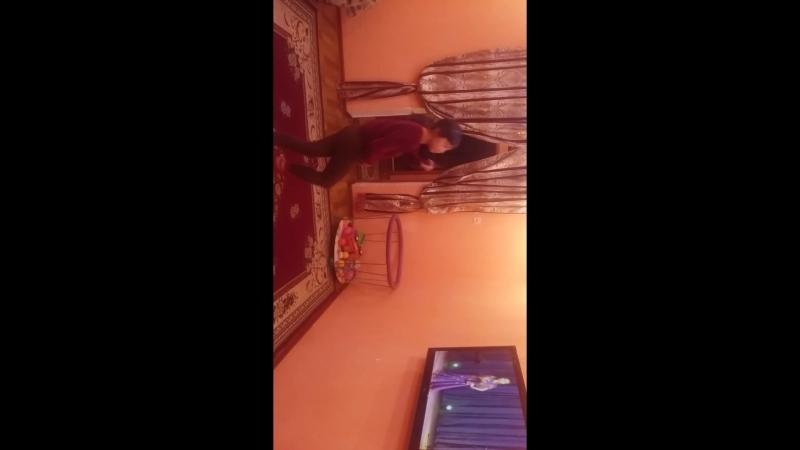 Индийский танец. Подготовка. Моя солнышко танцует 😍😍😍😘😘😘