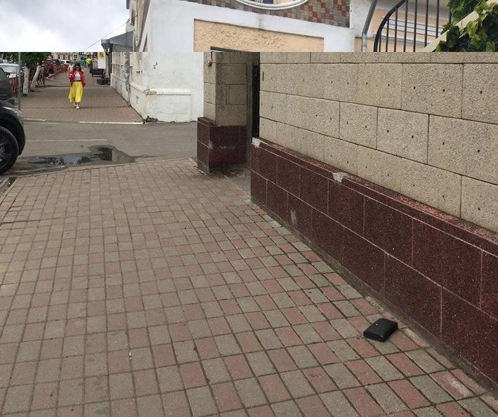 Памятник потерянному бумажнику в Ярославле