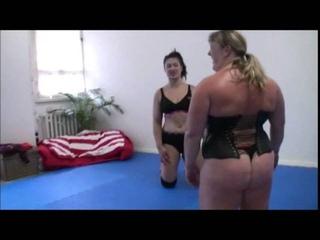Female Wrestling Minxy Li vs Red-Devil and Anna Konda Stron