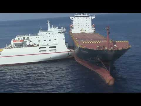 Столкновение контейнеровоза и Ро-Ро / Container ship and ro-ro collision