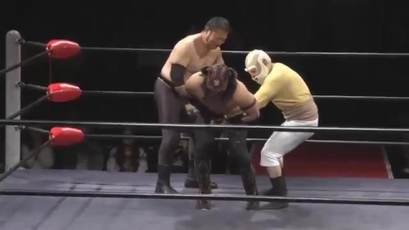 Buffalo, Kuishinbo Kamen vs. Gabai Ji-chan, Masao Inoue (Toshiaki Kawada Produce - Holy War)