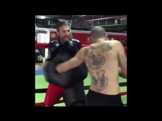 Бирманский бокс: чемпион MLWC Дэйв Ледюк