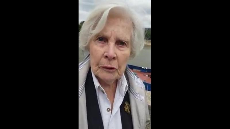 Christiane Hessel en colère et exprime sa honte de la France après lincroyable décision dempêcher les deux bateaux de la flottil