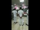 Salman Khan at pune airport on 23rd night. st.coy8RLlFQgCj.mp4