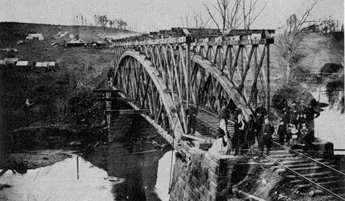 Легенда о Баннимене На Колчестер-роуд в округе Фэрфакс, штат Вирджиния, недалеко от небольшого городка Клифтон, находится место, официально известное как Колчестерский туннель. Неофициально его