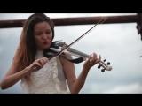 Subeme La Radio (Enrique Iglesias) - Caitlin De Ville (1080p_30fps_H264-128kbit_AAC)