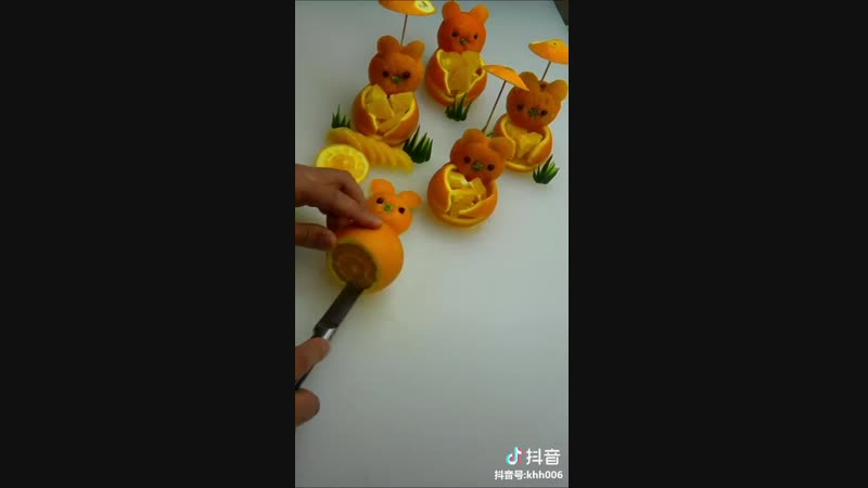 How to make the orange more appealing? Food carving master shows you steps to have your own orange bear.Try it by yourself now~😂