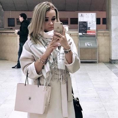 Леся Калинская