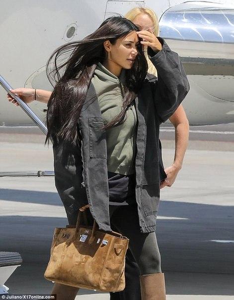 Ким Кардашьян прилетела в Вайоминг к Канье Уэсту.