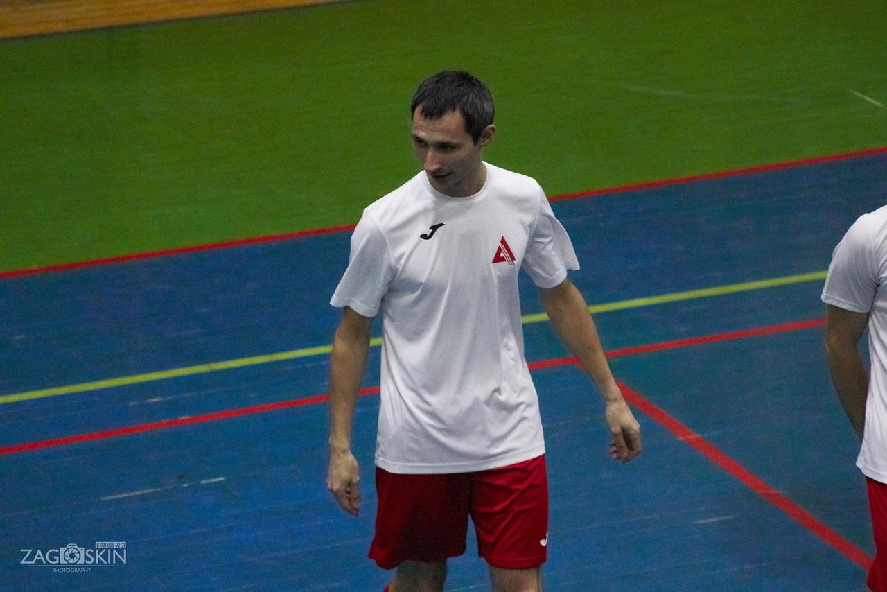 Преодолевающий «Севзапдорстрой» и Неудержимый «Архангельск Юнайтед»