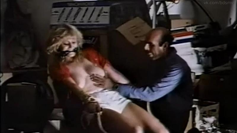 бдсм сцены bdsm похищение бондаж сексуальное насилие из фильма Evil Town 1977 год