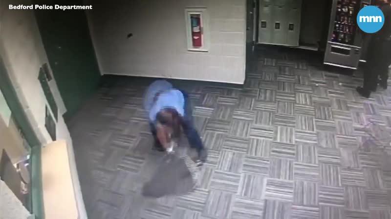 Проникновение в полицейский участок и погоня