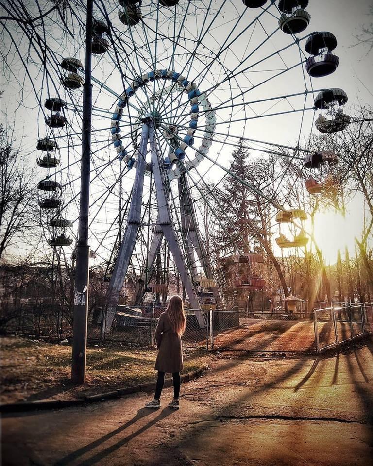 Цікаве колесо огляду у нашому парку.