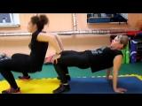 Тренировка в парах. Фитнес-зал
