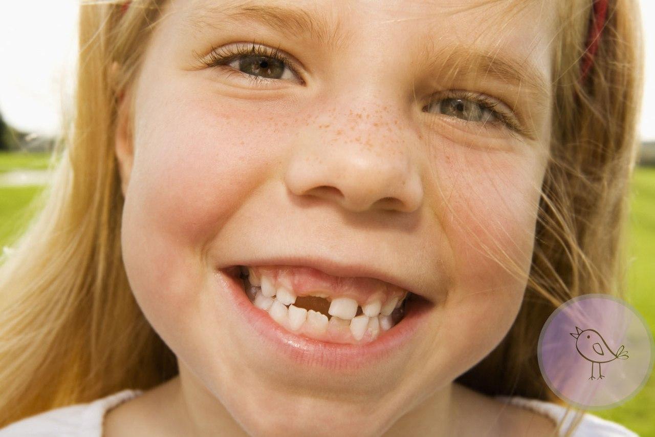 Как выпадают молочные зубы у детей фото