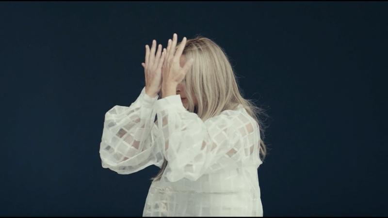 Lara Fabian - Papillon (Official Video)