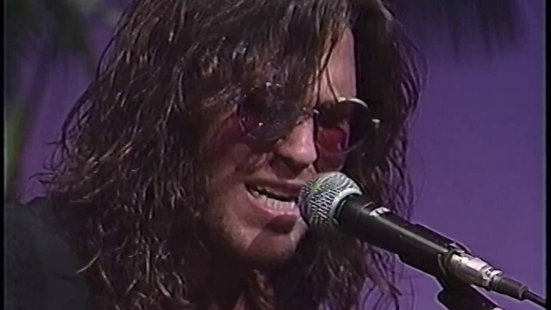 Winger - Down Incognito ~ Whos The One (Live in Japan)