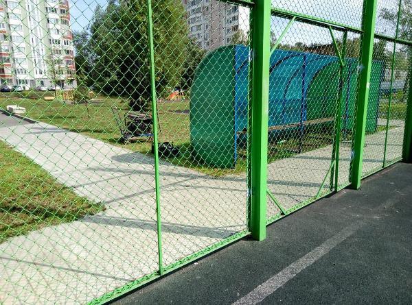 По просьбе жителя Алтуфьева привели в порядок спортплощадку на Стандартной