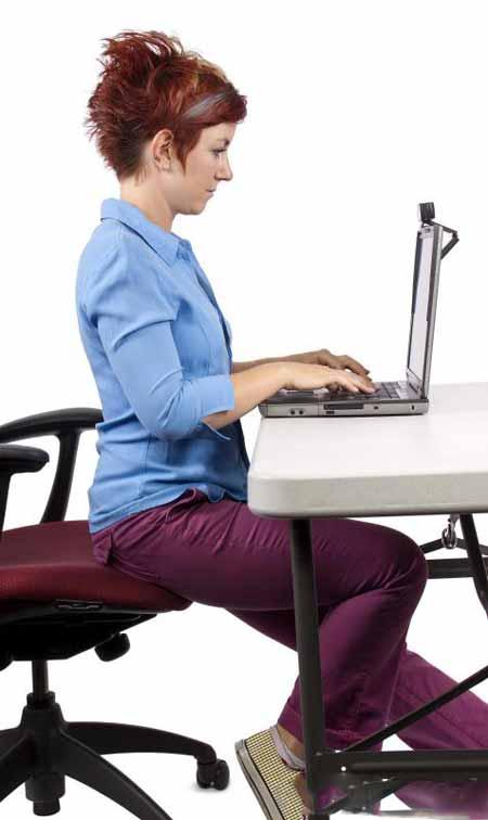 Ношение слишком большого веса может вызвать боли в спине.