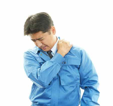 Грыжа межпозвоночных дисков относится к числу наиболее серьезных заболеваний, которые могут вызывать боль в пояснице.