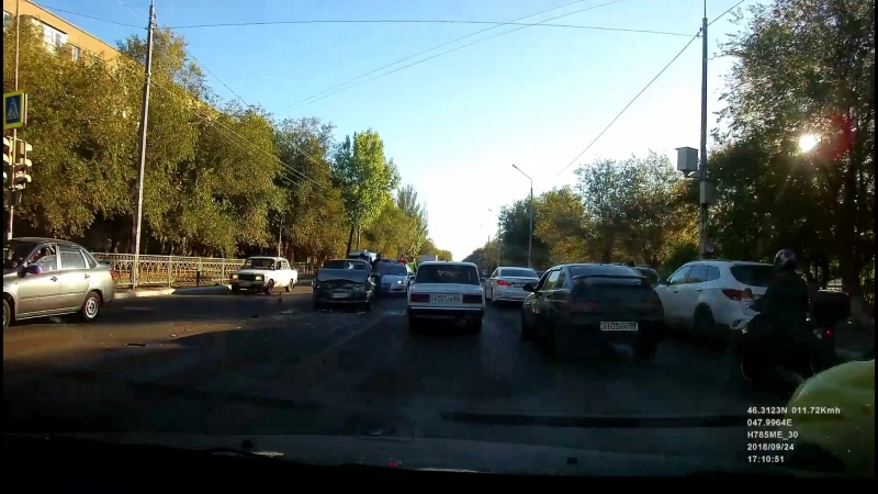 Авария на ул. Адмирала Нахимова!