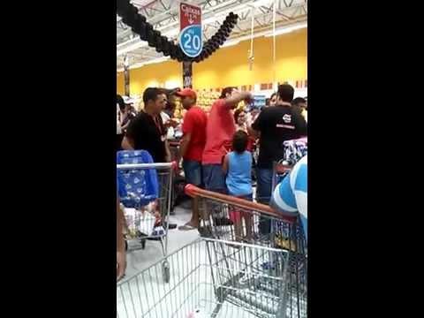 Cuidado Ao Guardar O lugar na Fila Do Supermercado