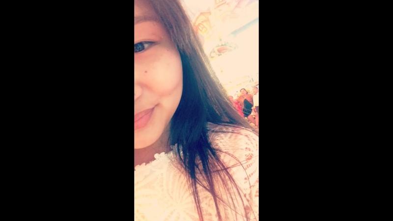 Правило первое: Держи все внутри и мило улыбайся.🍇
