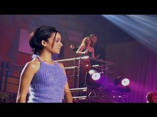Alizee ___ Les Enfoires ( Full HD Live 2001 г )