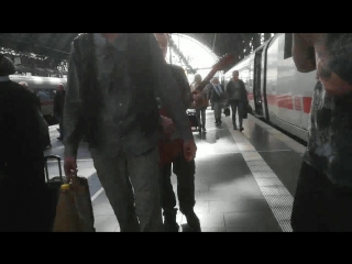 New UrengoY feat Андрей Ваничев - Русская народная или, как мы Дюшу удивили на франкфуртском вокзале