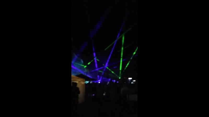 Салют и лазер шоу