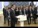 Dmitriy_Medvedev_-_korruptsia_eto_blagodatnaya_Tema_dlya_Edinoy_Rossii_nuzhno_samim