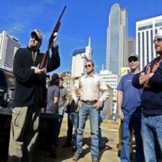 РАССТРЕЛЬНЫЕ ШТАТЫ АМЕРИКИ Убийства с применением огнестрельного оружия в США происходят ежедневно. Согласно статистическим данным, в 2011 году в среднем ежедневно погибали 23 американца. Всего
