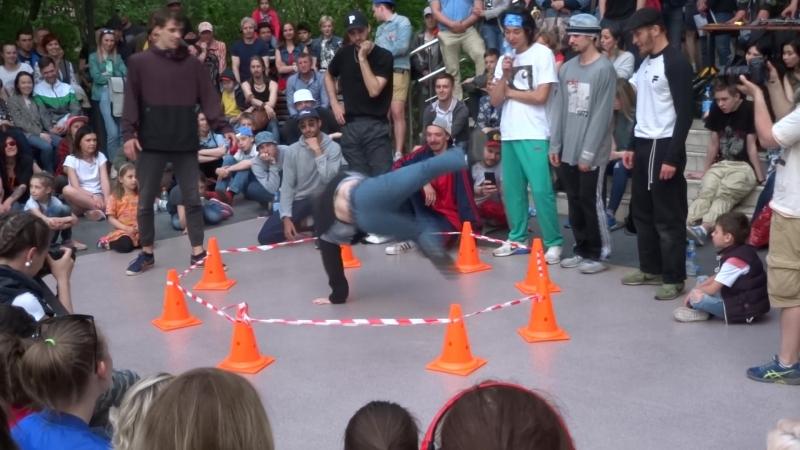 Break dance battle. Соревнование по брэйк-дансу на улице. Сокольники 12.05.18