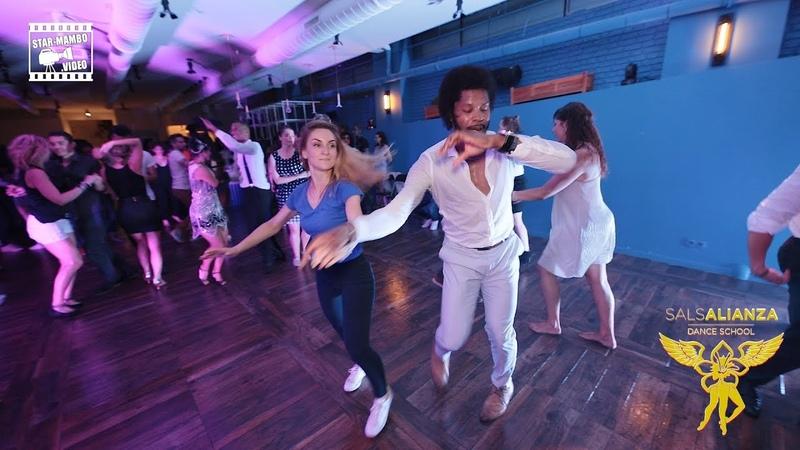 Terry SalAlianza Alina - social dancing @ SalsAlianza Dance School