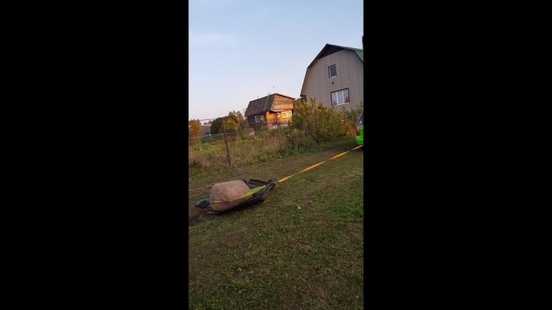 Мася в роли тягача Или как убрать валун с огорода.