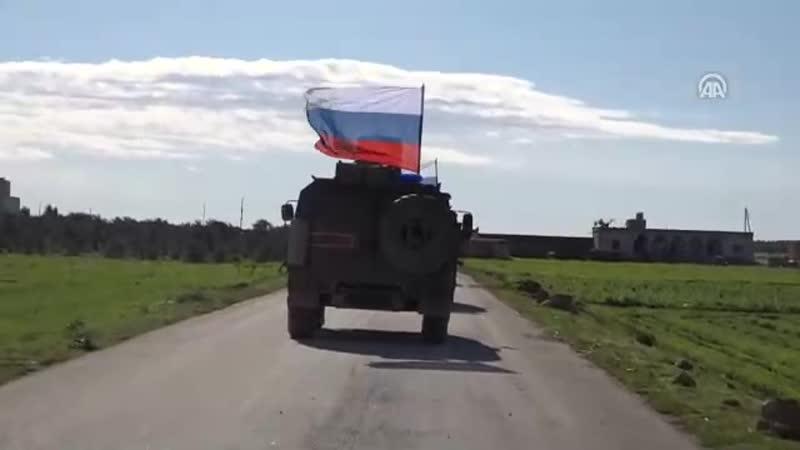 Военная полиция РФ патрулирует район сирийского города Манбидж