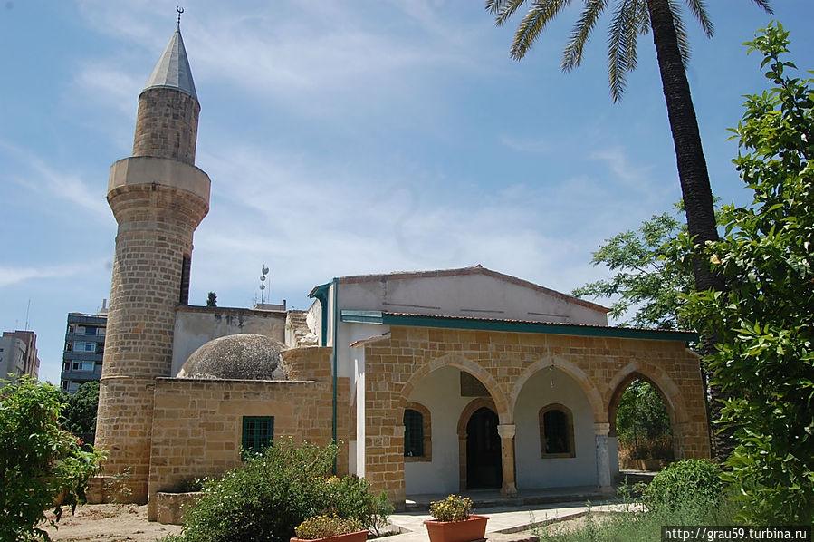 AloniVuEjo0 Никосия (Лефкосия) столица Кипра.