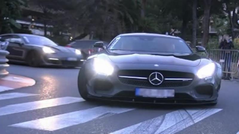 ランボルギーニ・フェラーリ・ベンツがモナコでやりたい放題(爆音エンジンサウンド・加速サウンド・ バーンアウト)
