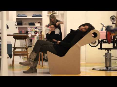 Siesta, a chair turning into an armchair. Tatíkids. Fuorisalone. Milano 2013. Cardboard chair