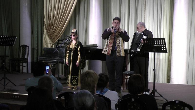 Армянская песня Дле яман (Горе, боль) . Исполняет Полина Шведова.