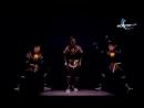 El mejor baile sincronizado 4D de la historia...mp4