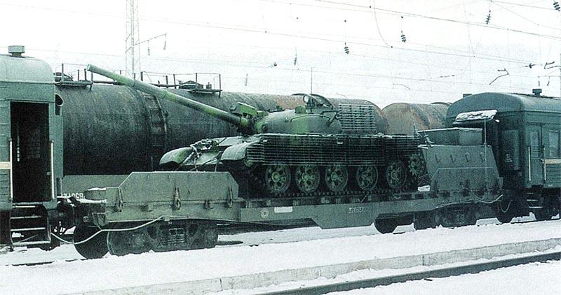 Платформа СП «Терек» с установленным на ней танком Т-62, февраль 2003 г.
