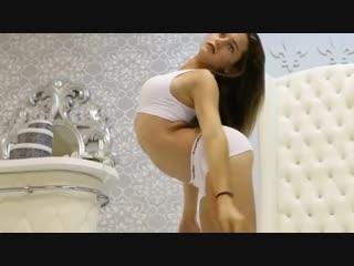 Anya contortion training 6.2