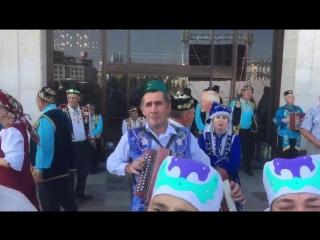 День Независимости Татарстана , предпоследний гармонист - это племянник моего дедушки.