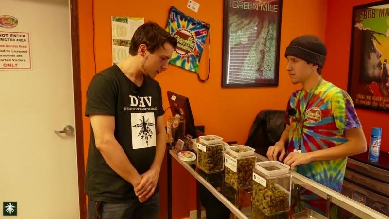 So kauft man Cannabis in einer amerikanischen Dispensary-Ganja Gourmet - DHV USA Tour 2015 Part 1-10