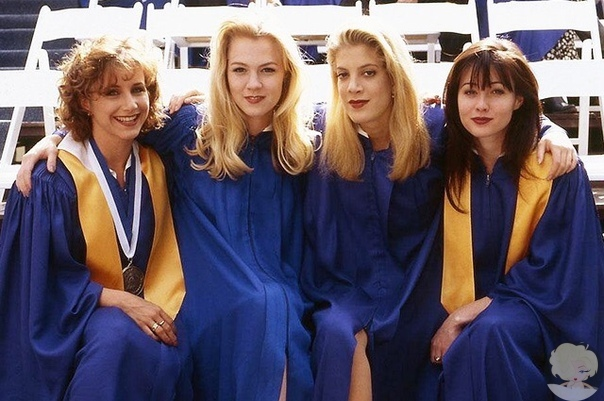 """Культовый сериал """"Беверли-Хиллз 90210"""" возвращается на экраны с теми же актерами"""