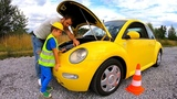 The Car VW Bug Broken Down Pretend Play Mechanic with Cars