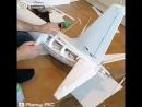 Парень просто гений! Смастерил крутой самолёт.